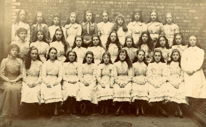 Upper Girls, Salford Grammar School 1902
