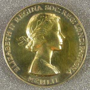 The obverse of Hoyle's Royal Medal, showing a portrait of Her Majesty the Queen