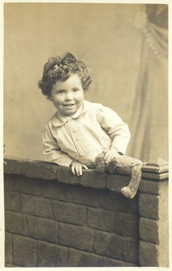 Photograph of Fred Hoyle at about 3 years old
