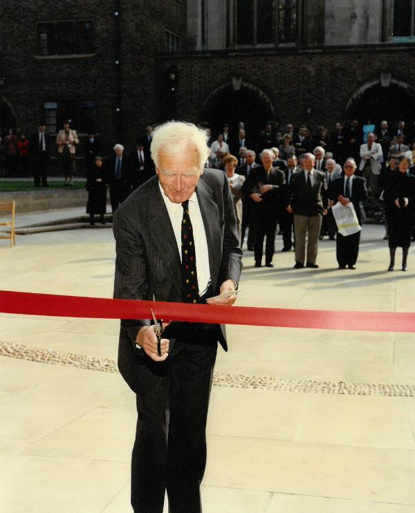 Robert Hinde cutting the ribbon at the opening ceremony